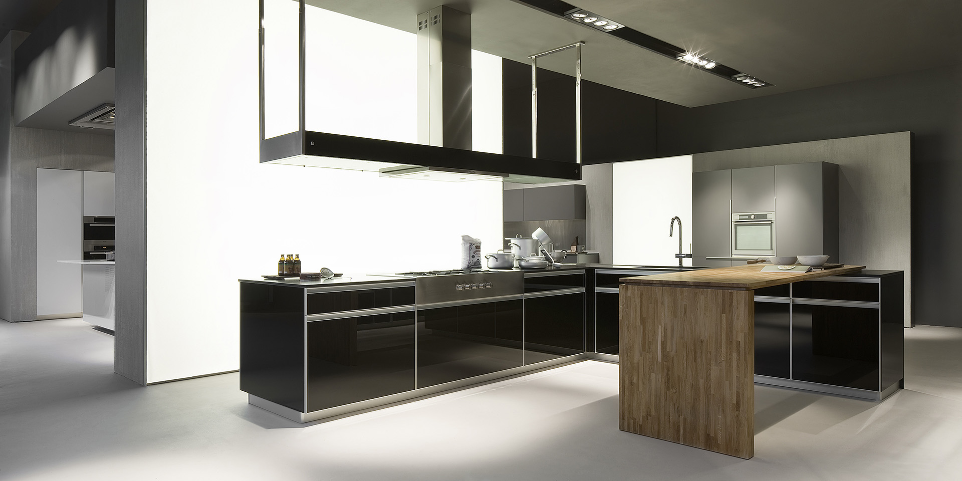 Effeti finest exshowroom display premium kitchen units from effeti evoluzione kitchen range - Effeti cucine prezzi ...